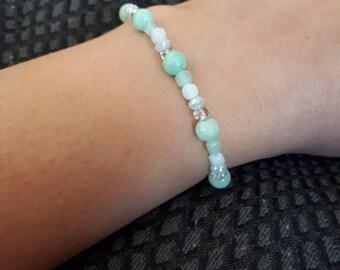 Green beaded bracelet, beaded bracelet for women, Women's bracelet, Mother's day gift, Quartz bracelet, glass bracelet, green bracelet,gift