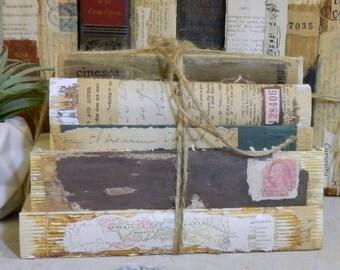 Old Book Decor, Vintage Decorative Books, Rustic Farmhouse, Old Book Stack