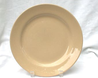 "Buffalo China Vintage Cafe Tan 9 1/2"" Dinner Plates THREE Restaurant Ware"