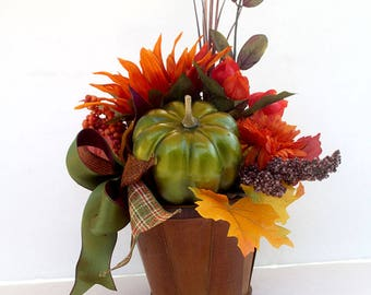 Small fall arrangement, rustic fall décor, fall centerpiece arrangement, home décor, housewarming gift, Thanksgiving table decor