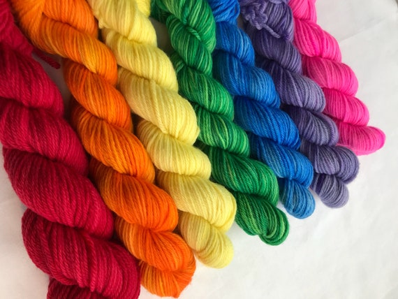 1 x 50g 100% Superwash Merino DK double knit yarn, hand dyed in Scotland, senmi solid individual colours