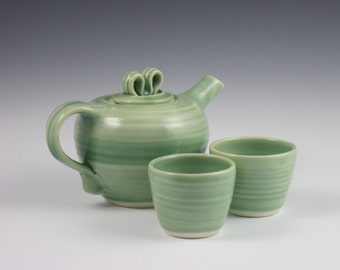 Side Handle Porcelain Teapot, Glossy Pale Green Celadon With 2 Tea Cups