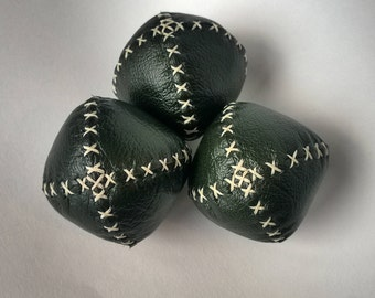 Set of 3 handmade leather juggling balls - Green