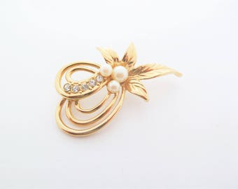 Gold Tone and Faux Pearl Leaf Spray Vintage Brooch with Clear Rhinestones
