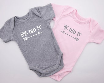 Twin Baby Boy Girl Outfits, SHE Did It / HE Did it Funny Twin Outfits, Set Of 2 - Gray & Pink Baby Bodysuits, Baby Twins, Baby Twin Gifts