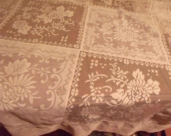 Tablecover Lace Squares Floral Design