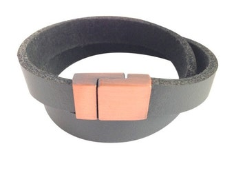 Leather bracelet with name or desire embossed copper