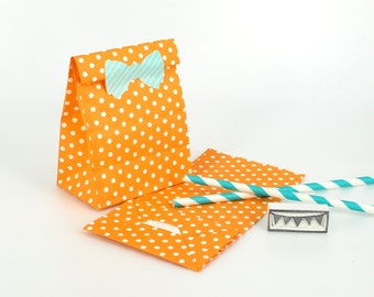 20 Orange Polka Dot Standing Bags - Paper favor bags with flat bottoms - Perfect for birthday and wedding party