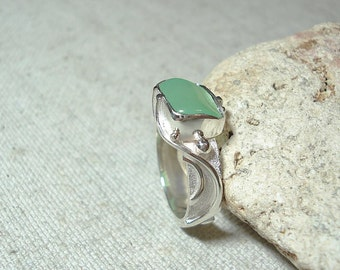 Silver ring with chrysoprase, a ring of sterling silver, a unique ring, a ring for women, a beautiful ring, a cool ring