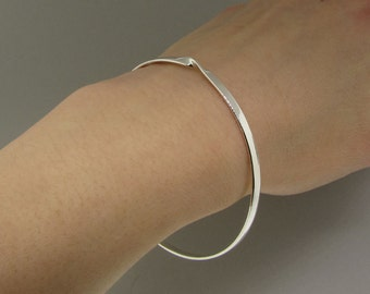 Sterling Silver Mobius Bangle Infinity Bracelet - Solid Silver Bangle Mothers Day Gift - Sterling Bangle Sister Bracelet