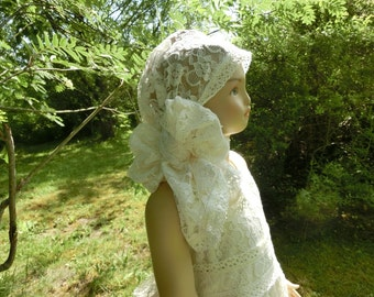 Flower girls shawl.Flower girl head piece.Shawl in ivory or white.Boho wedding.Girls lace shawl.Wedding shawl,wedding hair piece.Boho shawl.