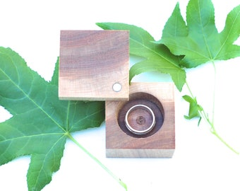 Maple Ring Box | Anniversary Gift | Heirloom Ring Box | Engagement & Wedding | Modern Ring Box