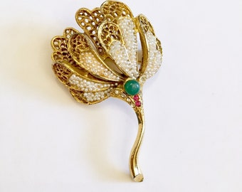 BSK Jewelry signed BSK brooch vintage pin flower pin Jade stone 1950s jewelry