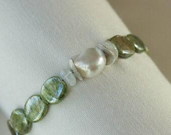 green kyanite pearl moonstone bracelet green kyanite jewelry kyanite beaded bracelet freshwater pearl green bracelet handmade jewelry