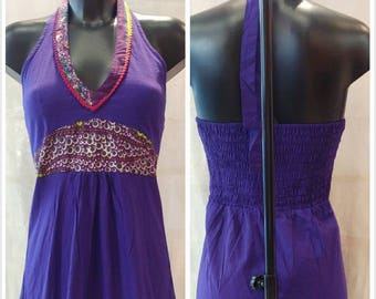Cotton dress tied to the neck with stamped ruffle and multicolored chocolates