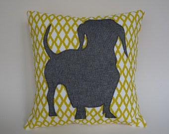 Cushion decorative dog motif in 100% cotton. Dimensions: 30 x 30 cm.