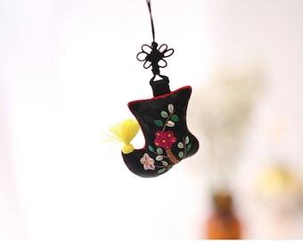 Beoseon(Korean socks) Knot Decoration, Traditional ornament, Korean traditional ornament
