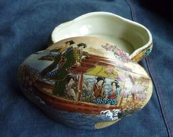 Satsuma porcelain, oval box * 17 cm * 1970