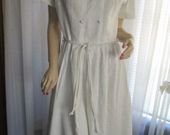 1950's Ladies White Short Sleeve PLEATED DRESS by Sears Roebuck (dead stock)