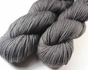 Hand - Sport - Merino superwash and Nylon - 100 g skein dyed / 300 m - ANTHRACITE
