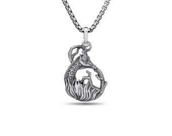 Giraffe necklace Giraffe jewelry Animal pendant African animal jewelry Safari jewelry Silver giraffe Totem necklace
