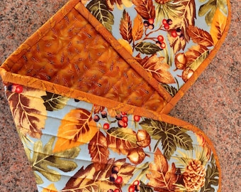 Double Oven Mitt, Quilted oven Pot Holder, Insul Bright padded casserole dish holder, autumn colours pot holder