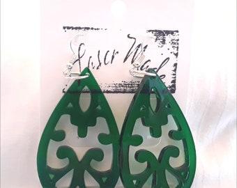 FISHHOOK EARRINGS (Green Acrylic)