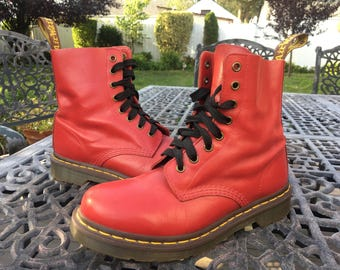 vintage 90s cherry red doc marten boots classic grunge