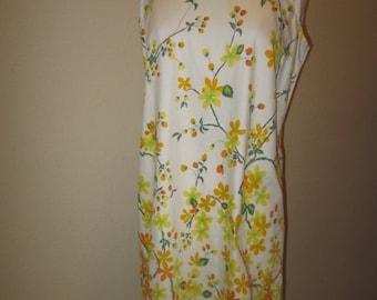 Shift Day Dress // Woman's Dress// 1950s