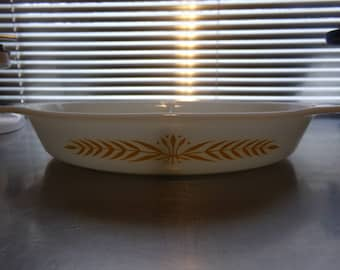 Pyrex Royal Wheat Divided Casserole Dish