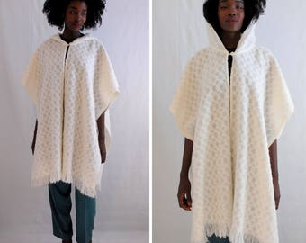 Cream fringed sweater cape with hood 1990s 90s VINTAGE
