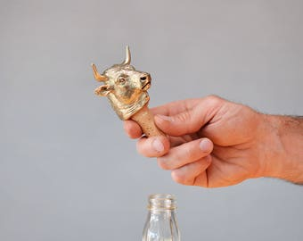 Bull. Bottle stopper