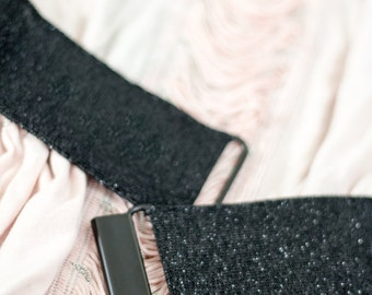 "Womens belt - 2"" glitter black elastic waist belt with choice of clasp colour"
