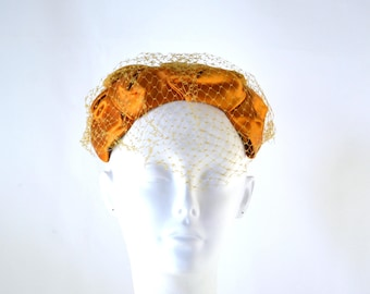 1950s Golden Yellow Velour and Satin Fascinator, Calot Hat with Bow Detail on the Crown