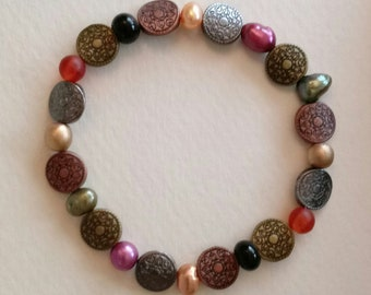 Metal Disk and Glass Colored Bead Bracelet