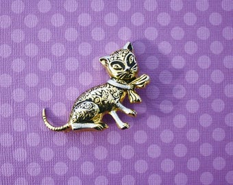 Black and Gold Cat Brooch Pin, Vintage Pin - Made in Spain