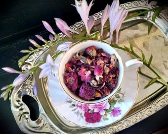 DRIED ROSE PETALS // Fragrant, Romantic Loose Leaf Rose For Herbal Work- Endless Creative Possibilities