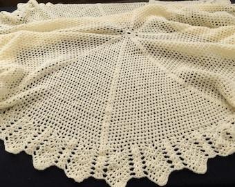 Crocheted Blanket. Cream Crochet Blanket. Vintage Baby Blanket. Lace Blanket. Baby Afghan. Round Blanket. Handmade Blanket RBT2644