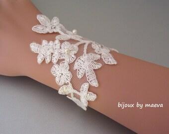 Bridal jewelry bracelet bridal lace ivory
