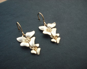 Bridesmaid Earrings, Bridesmaids Gift, Gold Flowers Cascading Earring, Flower Girl Gift, Birthday Gift, Wedding Gift