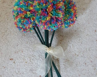 Wool pom pom flowers, knitted flowers, pom pom bouquet, handmade flowers, gift for her, artificial bouquet, wedding flowers,