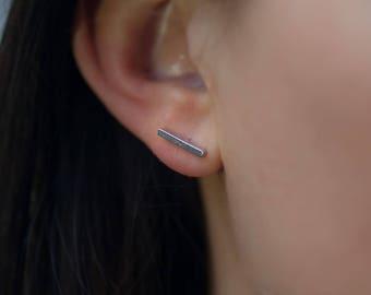 Stud | free shipping | earring | silver | minimalistic | bar