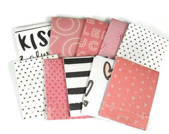 20 Matchbook Notepad  Party Favor in Hugs and Kisses