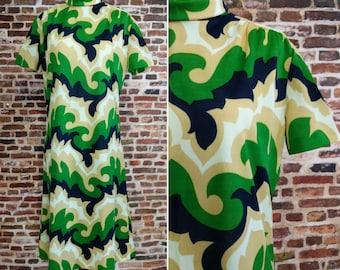 Mod 60's Dress Retro Print Green Shift Dress Ladies Size Medium Large Travel Talk Knit