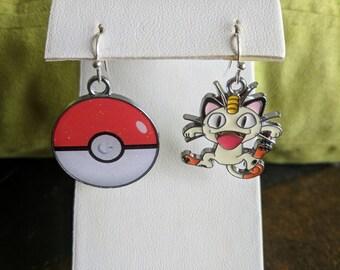 Pokemon dangle earrings Meowth