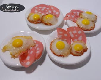 Fried eggs with salami, 1:12 scale