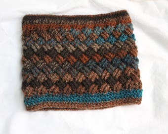 Celtic Basket Weave Crocheted Cowl