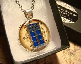 Silver Doctor Who Tardis Compass Pendant Necklace (2432)