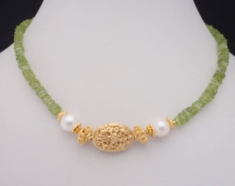 beaded choker, peridot necklace , necklace with pearls and gemstone, choker necklace gold,  choker necklace with stone , green necklace gold