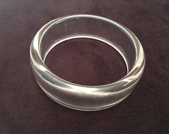 Vintage Clear Plastic Acrylic Bangle 1311